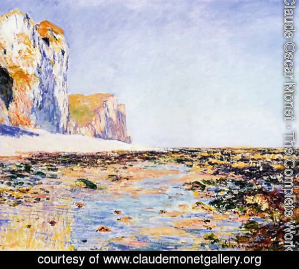 Claude Oscar Monet - Beach And Cliffs At Pourville  Morning Effect